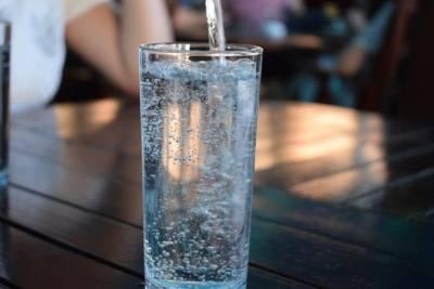Как понять, что организму не хватает воды: 8 способов