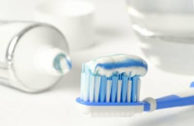 Зачем нужно хранить тюбик зубной пасты на кухне: секрет хозяек